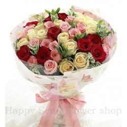 玫瑰共50枝:红玫瑰11枝、香槟玫瑰19枝、戴安娜粉玫...
