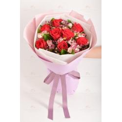 慈愛之心(8支紅玫瑰,蠟梅,小玫瑰)