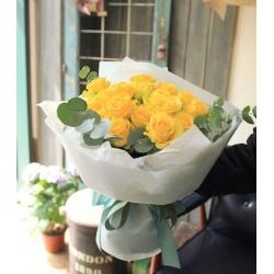 18支黃玫瑰