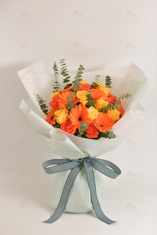 燦爛陽光(橙玫瑰,黃玫瑰,橙太陽菊,尤加利)